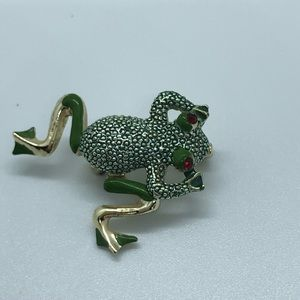 VTG Dancing Frog Pin w/moveable legs